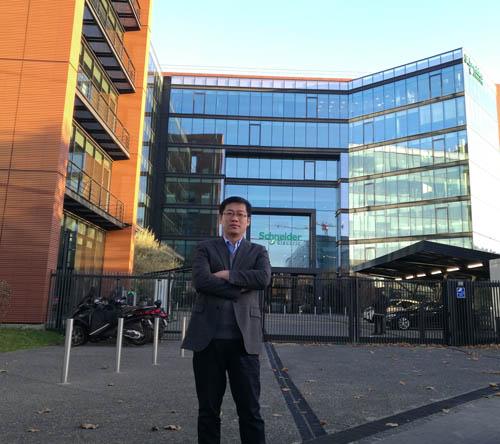 施耐德电气中国能源事业部合作伙伴业务发展经理谌国松
