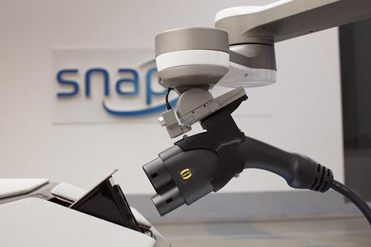 机器人辅助充电解决方案